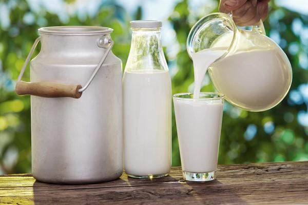 Снижает ли жирность молока разбавление водой