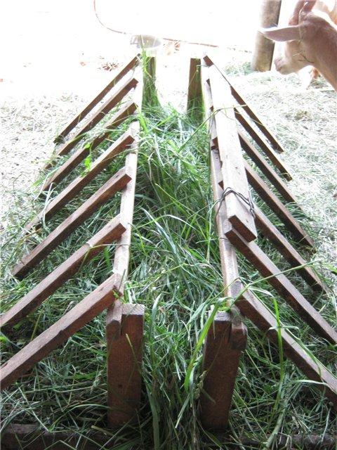 Как сделать ясли для сена коровам фото